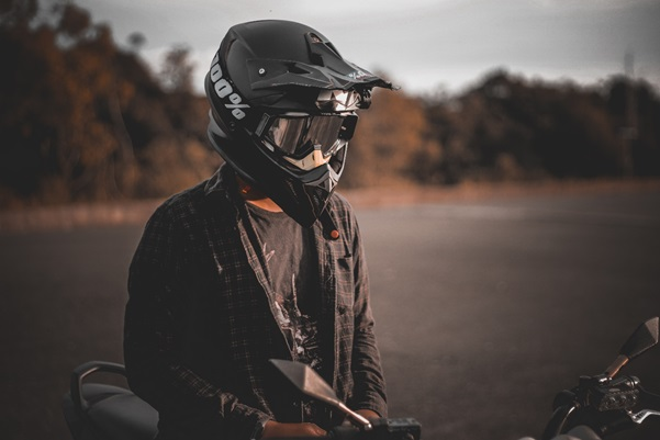 HERE IS WHAT YOU NEED TO KNOW ABOUT MOTORCYCLE SAFETY GEAR