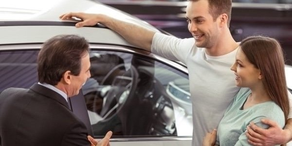 5 Great Reasons To Buy Your Next Car From A Dealer