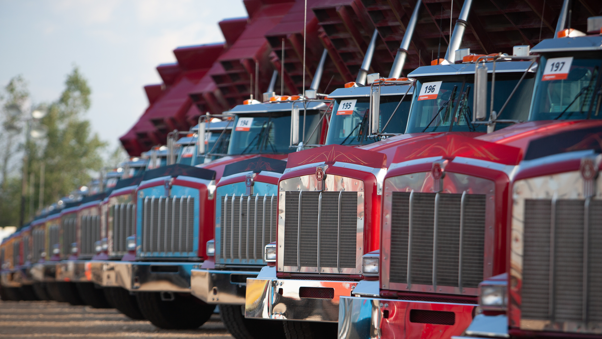 Things to Look for When buying a Used Dump Truck